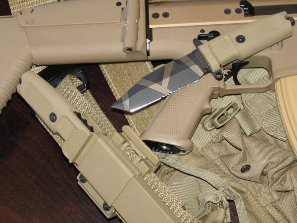 Extrema Ratio Fulcrum Compact Desert Warfare